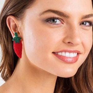Red chili pepper beaded earrings 🌶